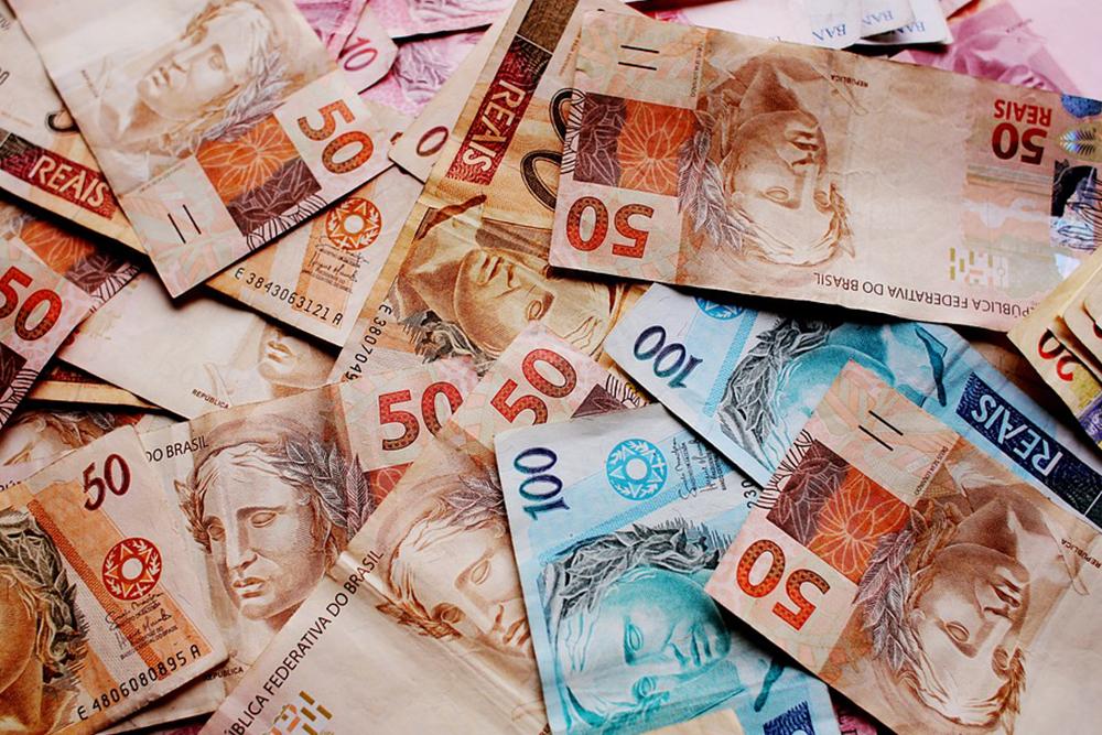 Artigo – O meu, o seu, o nosso dinheiro – Por Marcia Dessen