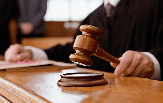Por Que Os Juc3adzes Usam Martelo No Tribunal